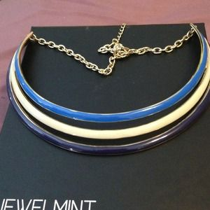 Brand New three-tone collar necklace!