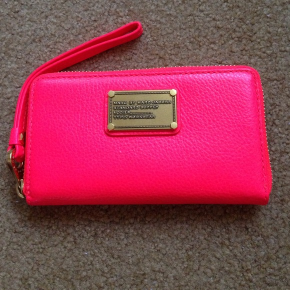 7391f6cfe22 Marc by Marc Jacobs Bags | Hot Pink Zipper Clutchwallet | Poshmark