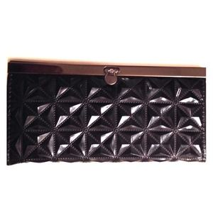 Handbags - Black wallet with geometric design