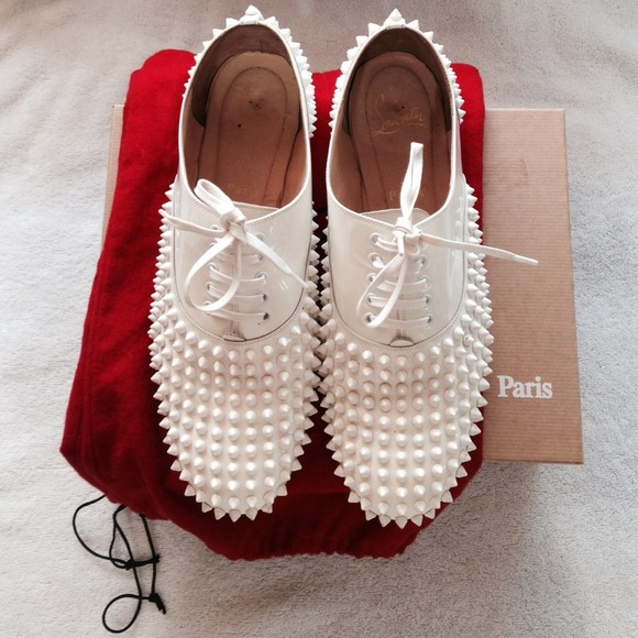 🚫SOLD 🚫💯Christian Louboutin Freddy Spiked Flat