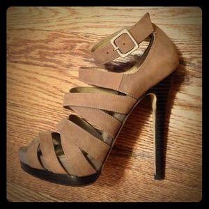 Size 6 strappy Aldo heels