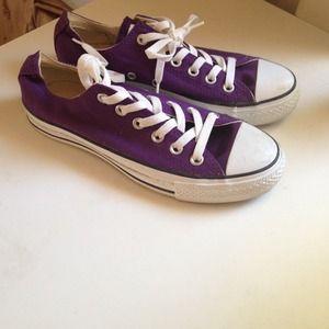 Converse chuck Taylor classics in purple!