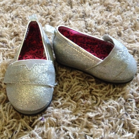 Baby Girl Shoes Size 3 6 9 months from Haley s closet