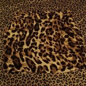 Dresses & Skirts - *SOLD* Leopard skirt in large