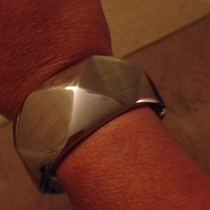 steel by design Jewelry - This is a pretty stainless steel bracelet 💥