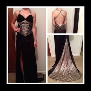 Dresses & Skirts - Stunning Black & Silver Evening Gown