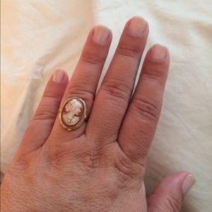 Jewelry - 🎉host pick🎉 cameo ring w/ diamond accent