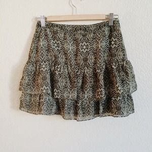 H&M Dresses & Skirts - Tribal Patterned Ruffled Skirt