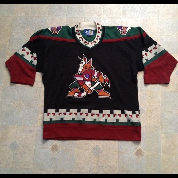 Vintage Phoenix Coyotes NHL Starter Hockey Jersey.  M 53f1a84b32fe146554215a62 e74434db855