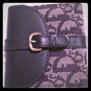 60% OFF! Christian Dior wallet