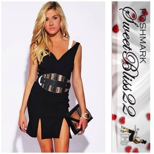 Dresses & Skirts - ‼️Sweetheart Neck Double Slit Party Midi Dress‼️