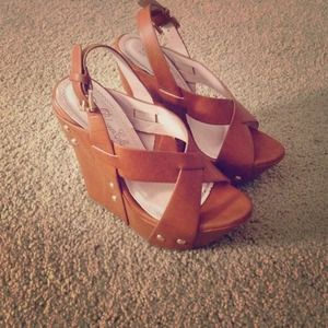 Shoes - light brown wedges