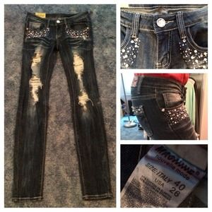 Denim - Adorable Distressed Blinged-Out Jeans💎