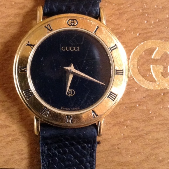 898c13dd110 Gucci Accessories - Authentic Gucci Ladies 3000L 18K Gold Watch.