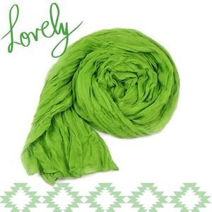 Accessories - NEW Lightweight Sheer Crinkle Scarf in Kelly Green