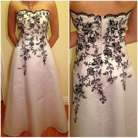 Davids Bridal Black White Gown Sale 110 | Poshmark
