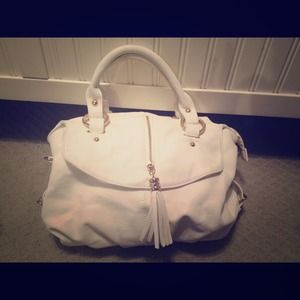 White handbag w/ gold hardware