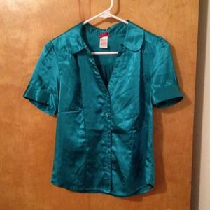 Forever 21 Tops - Turquoise Silky Button Up Short Sleeved Blouse