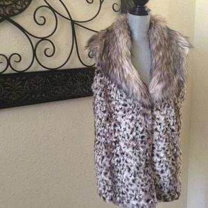 Adrienne Landau Jackets & Blazers - 💋Reduced💋Faux Fur Leopard Vest NWOT