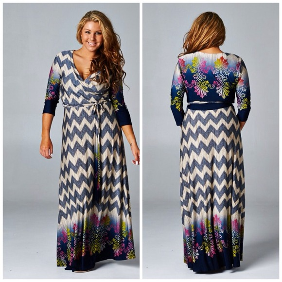 💙LAST ONE!! 💙 Plus size boutique chevron maxi