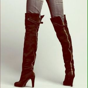 Kelsi Dagger over the knee suede boot