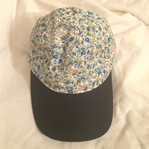 🎀HOST PICK J. Crew navy floral hat