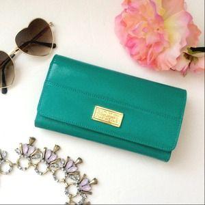 ✨Badgley Mischka Wallet ✨ Brand New