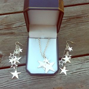 Jewelry - ⭐️Star necklace & earring bundle