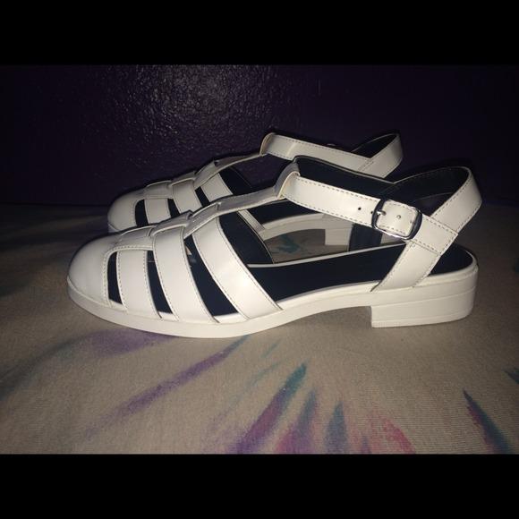 4da6cc47e110 White Caged Block Heel Sandals. NWT. New Look