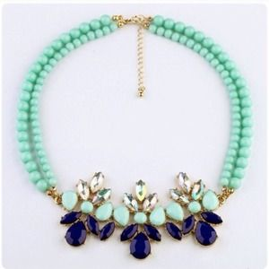 NEWNavy & Mint Statement Necklace