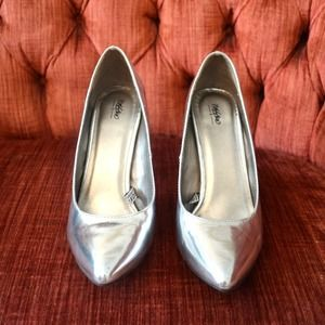 Mossimo Supply Co. Shoes - SOLD! Metallic Silver Pointed-Toe Pumps
