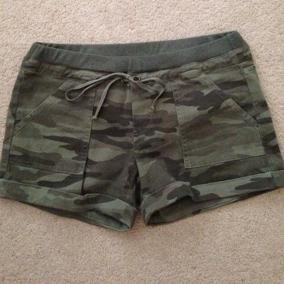 a80f7b85 Splendid camo stretch shorts. M_53f678dea652b107cd070dd7