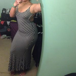 Dresses & Skirts - Striped backless maxi dress!
