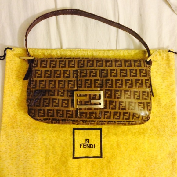 6f73a0b3cb2 FENDI Handbags - 💯Authentic FENDI patent leather shoulder handbag