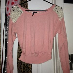 Long sleeve , crop top