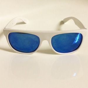 ZUMIEZ White Blue Sunnies Shades Sunglasses 😎