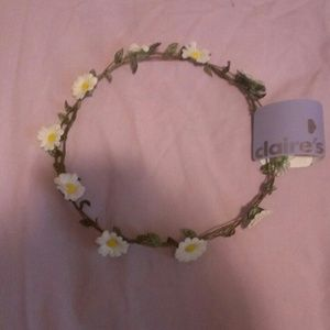Beautiful Daisy Flower Crown