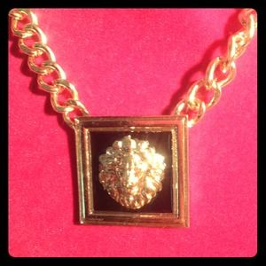 Jewelry - Bold Lion Head Statement Chain