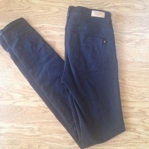 Zara Jeans - Zara Black Skinny Jeans