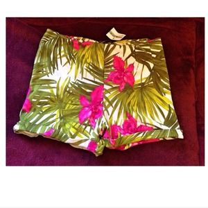 HOLD Brandy Melville tropical shorts 🌴