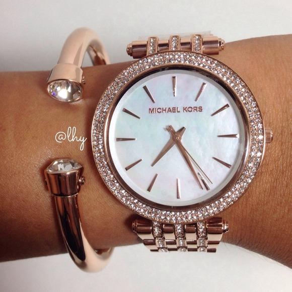 5 off michael kors jewelry sold michael kors darci glitz rose gold watch from l 39 s closet on. Black Bedroom Furniture Sets. Home Design Ideas