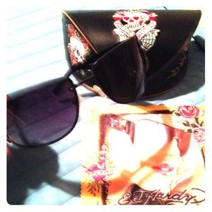 LOWERED!!Ed Hardy love kills sunglasses with case