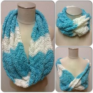 Nora Belle Accessories - NWOT! Aqua and white crocheted cowl