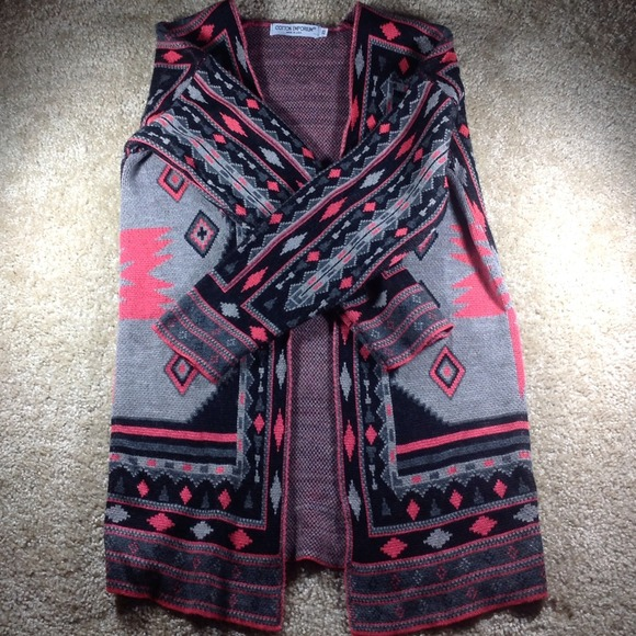 Pink/Black/Grey Aztec Print Cardigan XS from ! kenzie's closet on ...