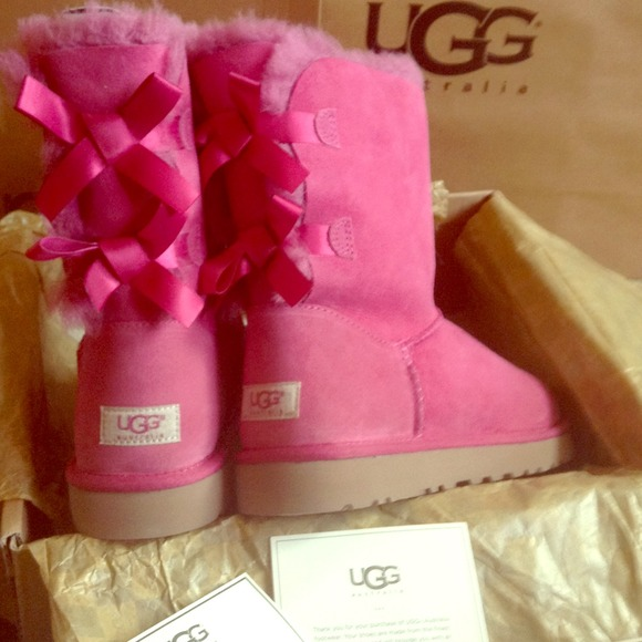 pink bailey ugg boots