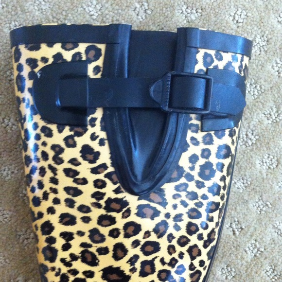 💖FLASH SALE💖Stone Creek Rain Boots 5 from Crystal's closet on ...