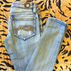 Dollhouse Distressed Skinny Jeans