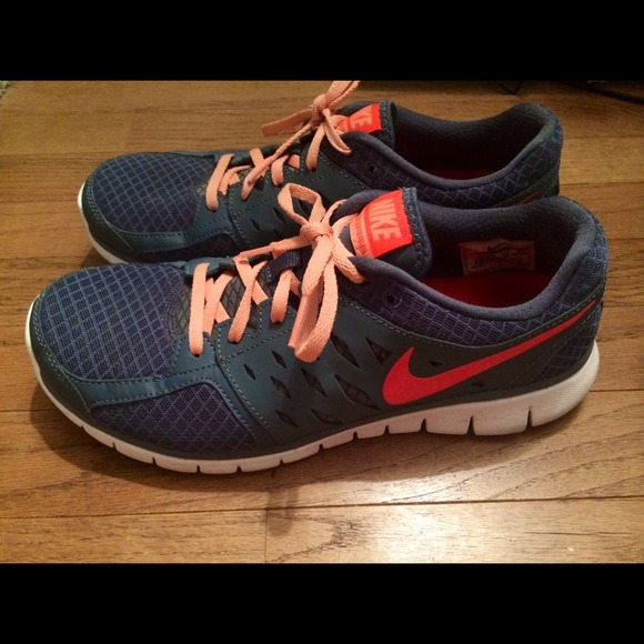 Nike shoes size 10