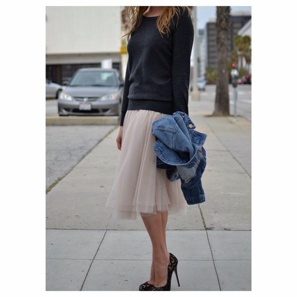 5dc8739182 Zara Gold Tulle Skirt Sz M. M_53fca739a652b112520523dc