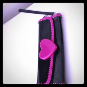 Hugh wallet/ wristlet- betsey Johnson